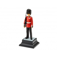 Revell - 1/16 Queen's Guards